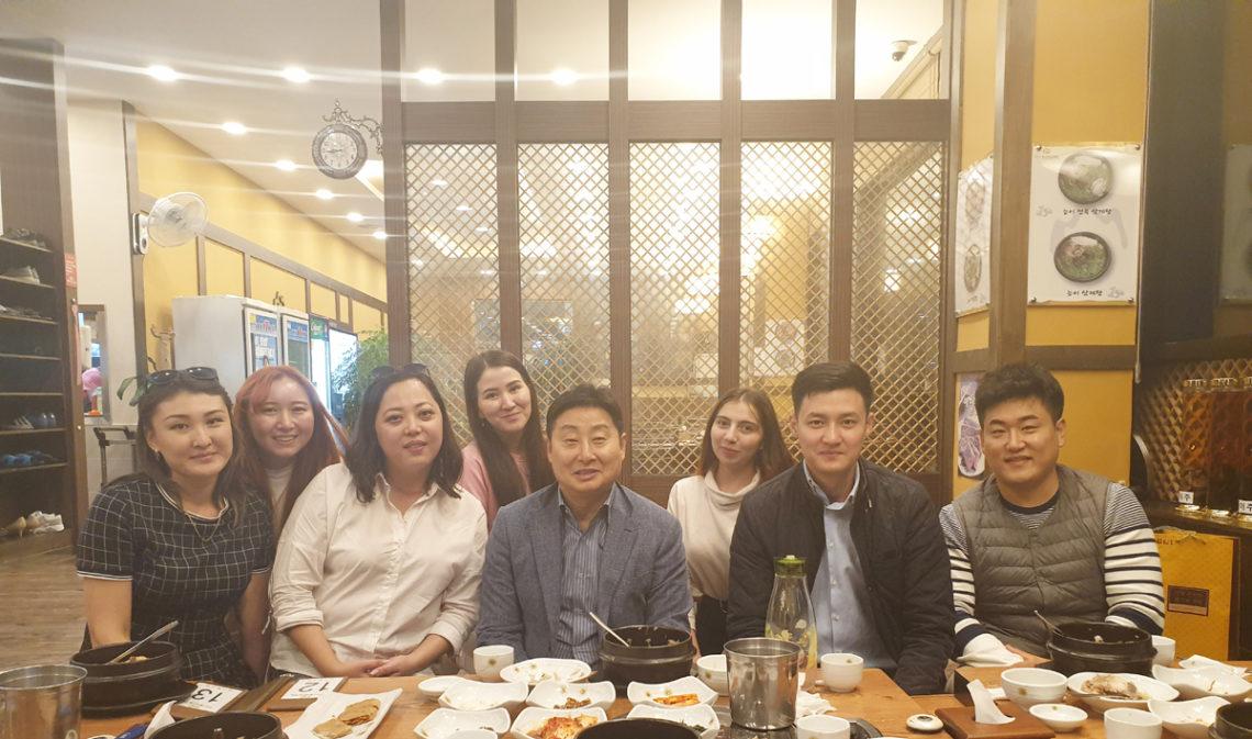 Ужин вместе с спонсором — Краун мастером Лим Сынг Тек